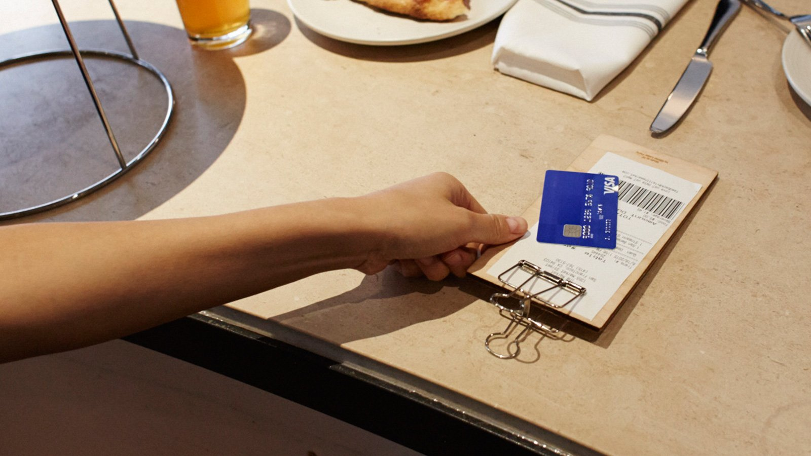 restaurant-bill-card-1600x900